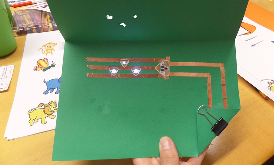three leds paper circuit